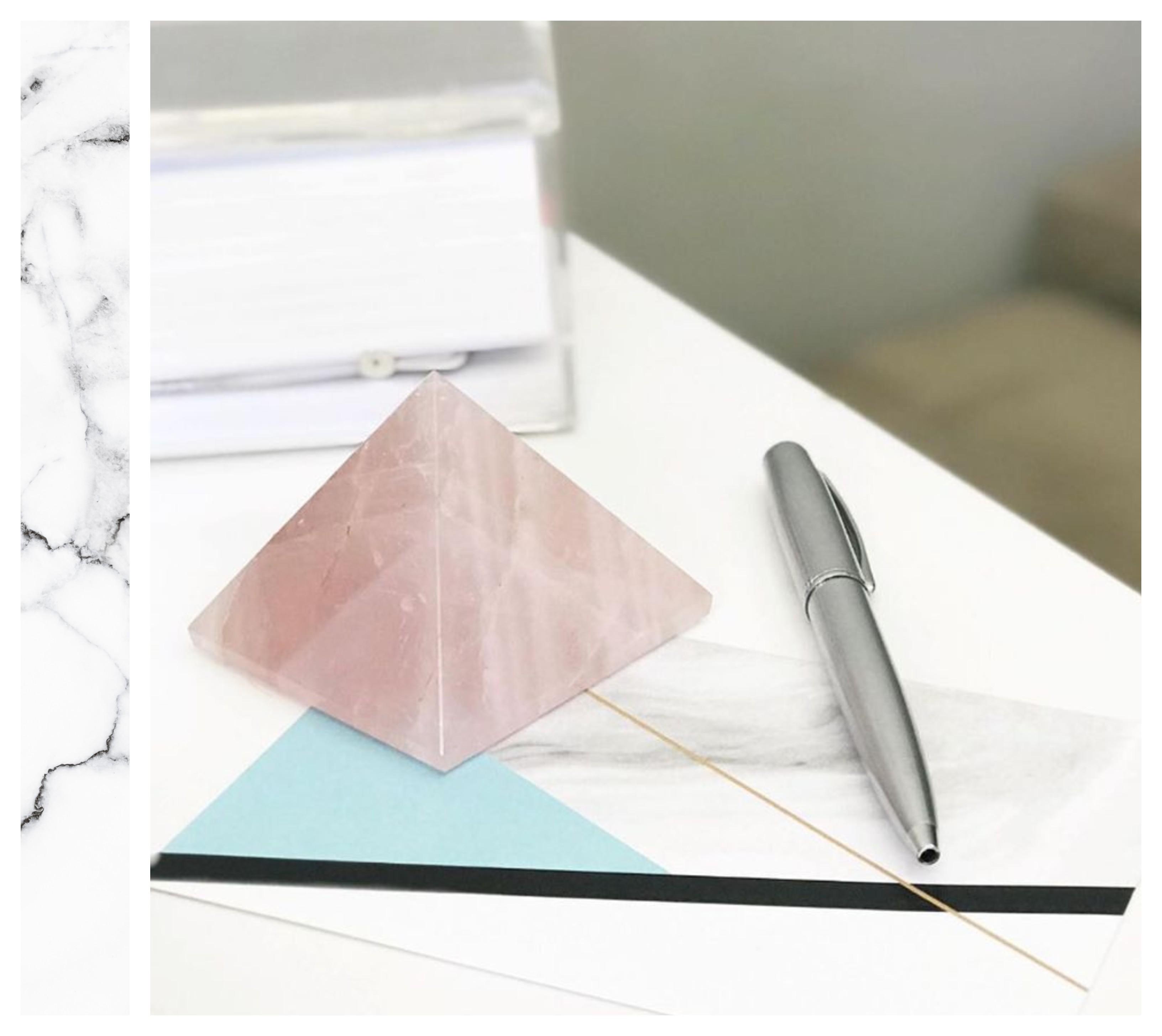piramide de quartzo rosa