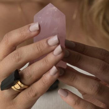 Passo a passo: como escolher o cristal ideal para você