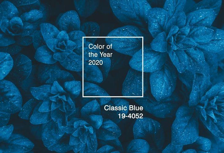 Cor do ano 2020: looks com o Classic Blue Pantone e seus cristais