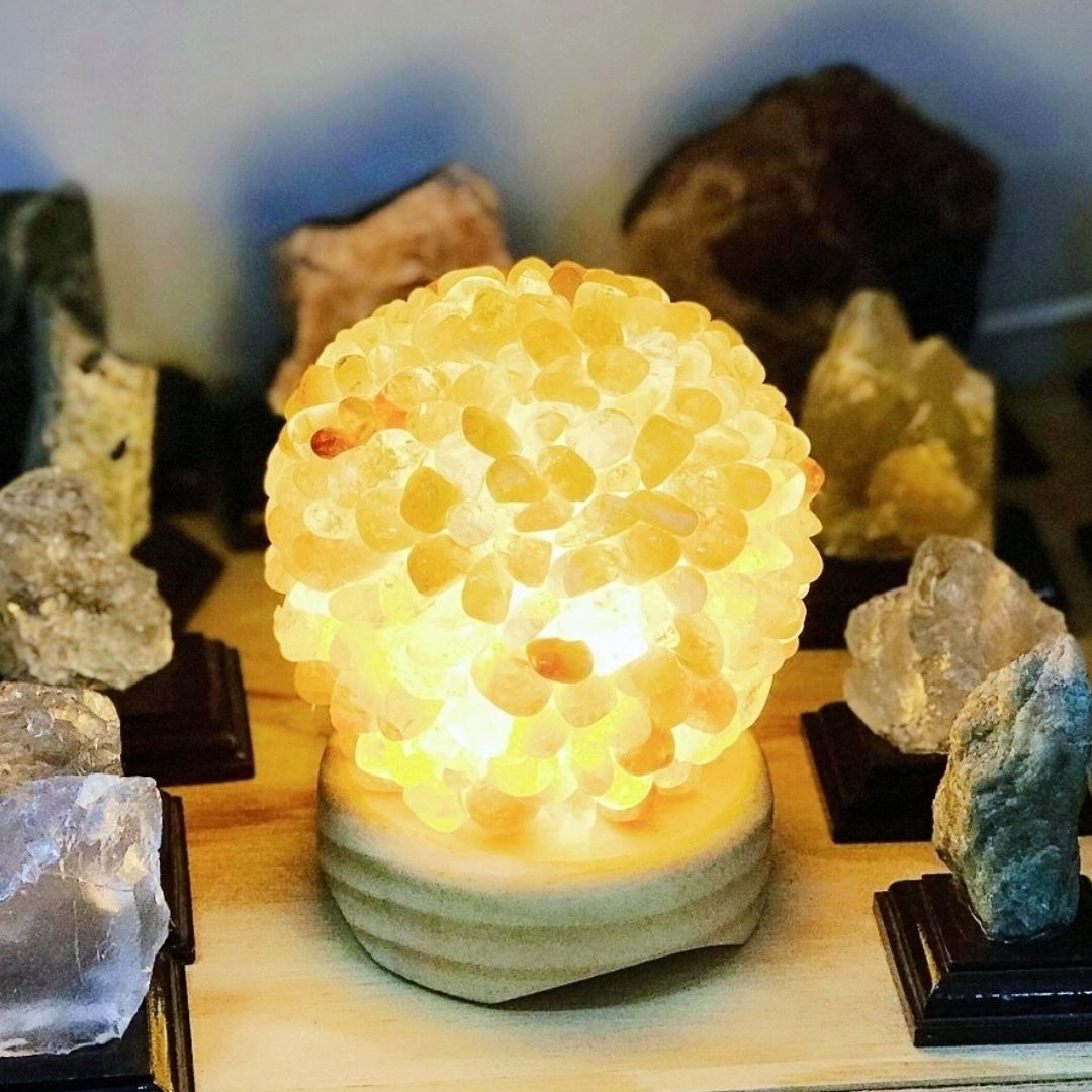 luminária citrino da marca shop dos cristais