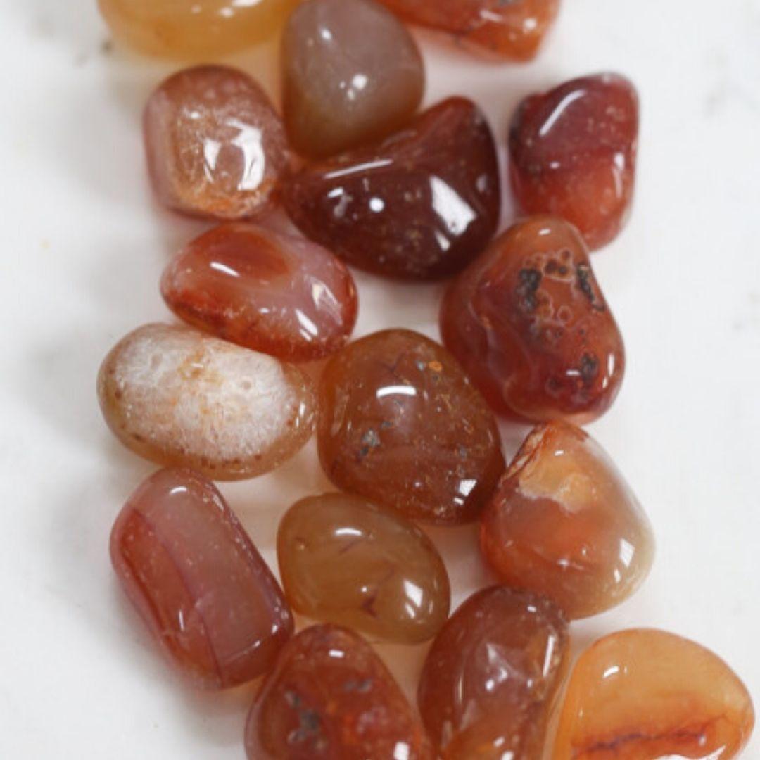 pedras roladas de cornalina
