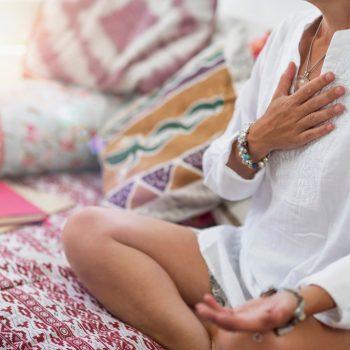 Como fazer limpeza espiritual? Dicas para limpar e proteger você e a sua família