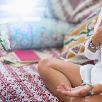 O que é mindfulness e como os cristais podem ajudar em sua aplicação