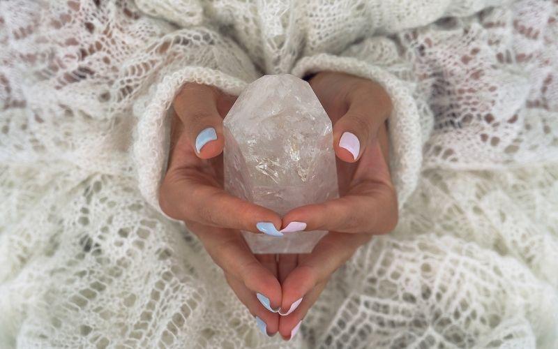 Cristais calmantes: descubra como as pedras podem diminuir o estresse e a ansiedade