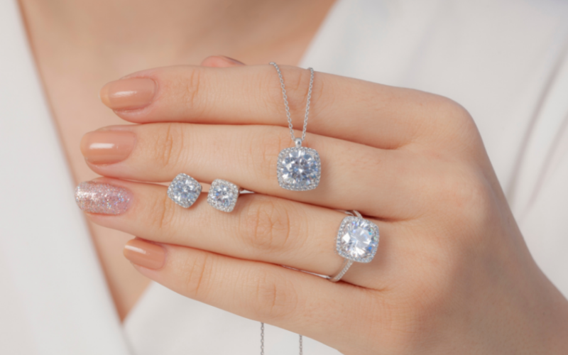 cristais e diamentes joias brilhantes anel corrente brinco