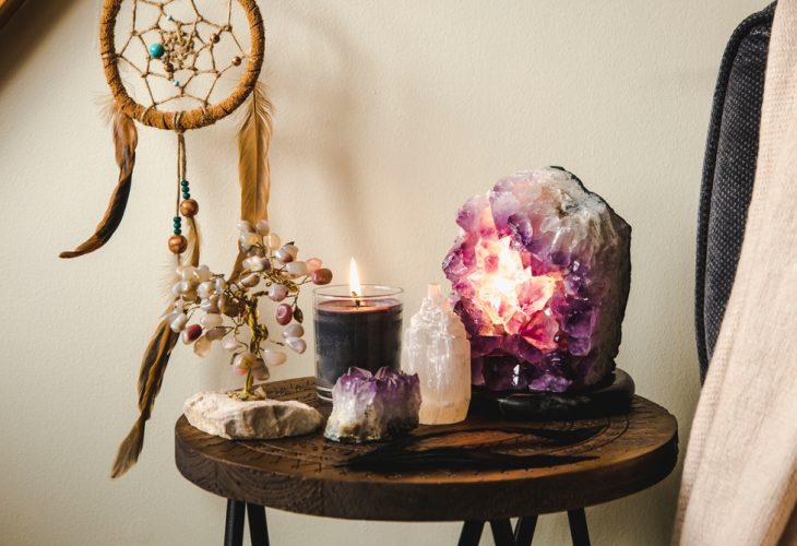 Esculturas para decoração: 7 opções com cristais para deixar seu ambiente mais elegante