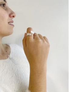 anéis com cristais selenita branca