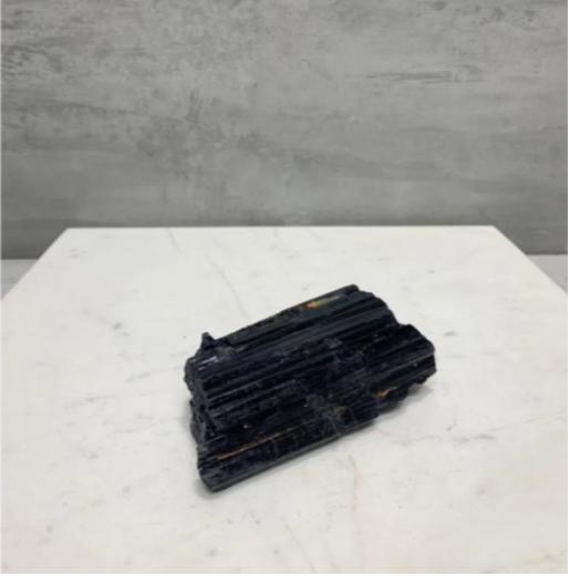 pedra bruta turmalina preta